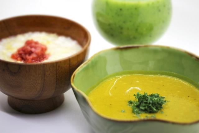 流動食と介護食の違いとは?特徴や2つの作り方(レシピ)のポイント・注意点を解説!